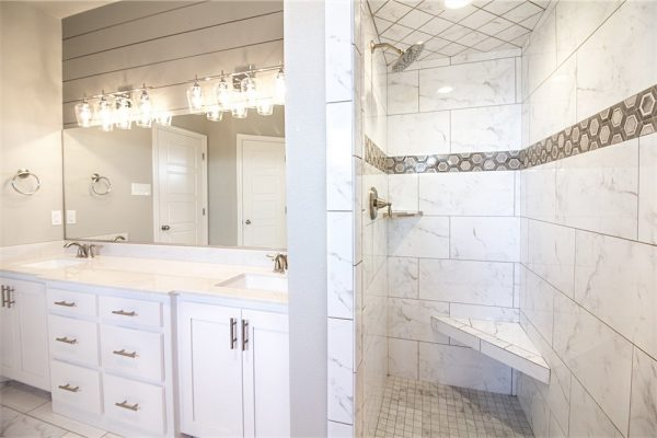 David Rogers Homes -Bathroom 2